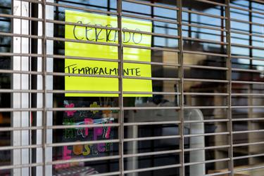 A store in downtown El Paso is shuttered during the coronavirus pandemic.
